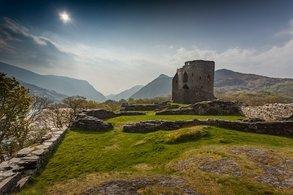 Wales bietet Stoff für Abenteuer: viel unberührte Natur in einem Land voller Legenden
