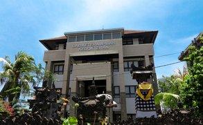 Besonders günstig: Ein Auslandssemester auf Bali an der Warmedawa University.